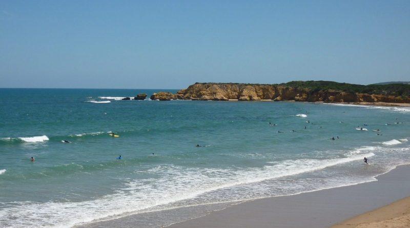 Surfen am Strand von Torquay